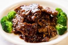 Yang's Noodle - Orange Beef